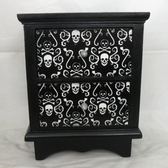 gothic home decor skull and crossbones jewelry box
