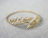 Olive Leaf Arm Band, Greek Gold Leaves Arm Cuff, Wedding Arm Band, Flexible Bracelet, Gold Leaves Bracelet, Bridal Jewelry, Boho Chic