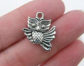 6 Owl charms antique silver tone O14