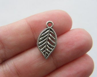 8 Leaf charms antique silver tone L52