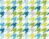 Mixed Bag by Studio M for Moda Fabrics, Houndstooth Sweet Pea, 1/2 yard