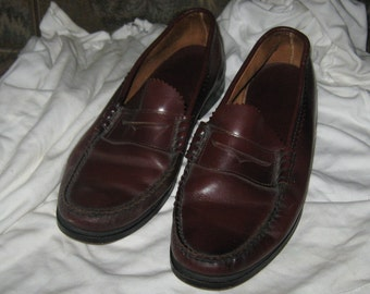VINTAGE 1980  CORDOVAN brown leather penny loafers  size   8 1/2 m