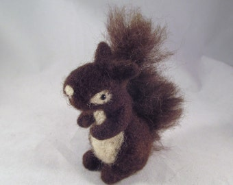 Needle Felted Squirrel, Needle Felted Animal, Squirrel Decor, Squirrel Gift, Woodland Animal Gift, Woodland Animal Decor, Little Wool Pet