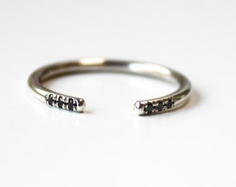 Cuff Ring with black diamonds