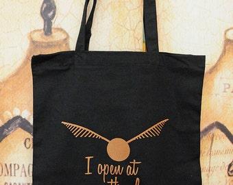 Open/close cotton tote bag.