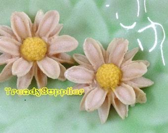 4 pcs Pale Purple Sunflower Cabochons (035)