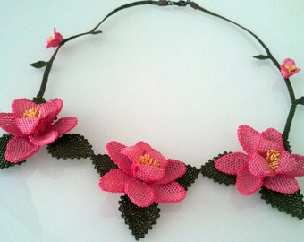 Crochet necklace,Pink Roses Necklace,Crochet Necklace, Flower Necklace,Statement Necklace,fuchsia necklace,salmon bib,rose necklace,