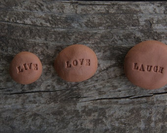 Live love laugh - cairn - wedding favour