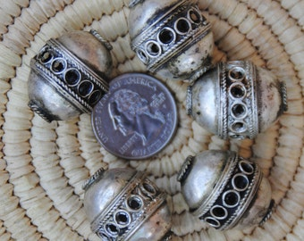 5 Moroccan Silver Beads: 20x26mm