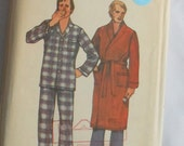 Vintage Butterick 6367 Men's Size Medium Sewing Pattern for PJs and Robe