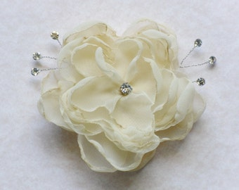 Cream Flower Hair Comb Rhinestone Floral Fascinator Cream Wedding Bridal Barrette Headpiece Sash