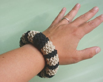 Knitted cotton bracelet in black and sand classic modern style