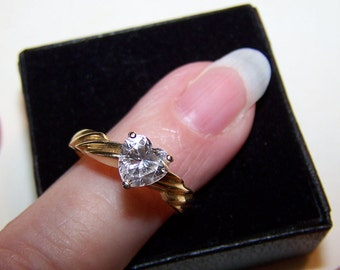 Vintage 14K Gold Ring Heart Shaped CZ Sz 7