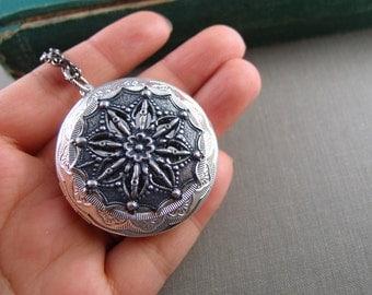 Huge Celtic floral filigree locket, aged silver brass locket, round locket, N016