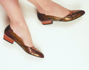 Vintage 1980s Metallic Flats / 80s Embossed Leather Shoes with Rhinestones / 6 1/2
