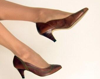 Vintage 1970s Brown Leather Pumps / 70s Dolcis Shoes / Size 6 1/2