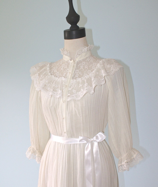 1970s VICTORIAN Gunne Sax Dress Style Vintage by