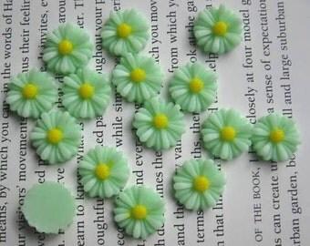 Mint Green Daisy Resin Cabochons 13 mm