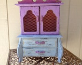 shabby chic distressed jewelry box by: April Parke