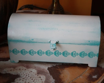 Lace Turquoise Chest