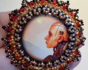 Glam Alien Woman Pin & Earring Set