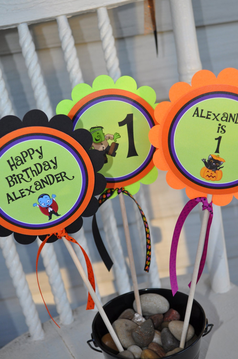 Halloween birthday party decorations -  Zoom