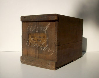 Vintage Wood Box with Paper Label / Old Shipping Crate / Nails / Rustic Distressed Weathered Aged / Home Decor / Storage Organization