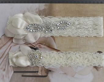 WINTER SALE Ivory Champagne Petal Rhinestone lace Garter set,flower petals garter,Ivory lace garter set, Rhinestone Beaded Bridal garter set