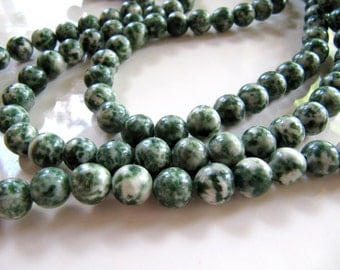 8mm Spot Stone Beads in Dark Green and Cream White, 1 Strand 48 Beads, Mottled Round Gemstones, Smooth, Spotstone Beads, Forest Green Beads