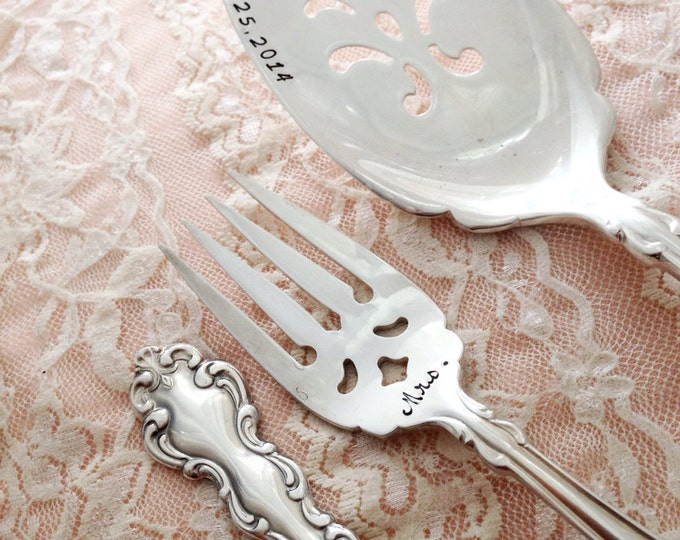 "Mr. & Mrs. forks and cake server set, vintage wedding ""modern baroque"", hand stamped"