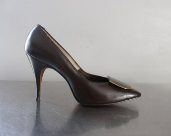 HEELS - BROWN - L.G. Haig Shoes - gold accent - never worn - heel caressing fit- size 6