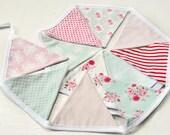 Fabric bunting banner English Garden Pink, aqua, Red