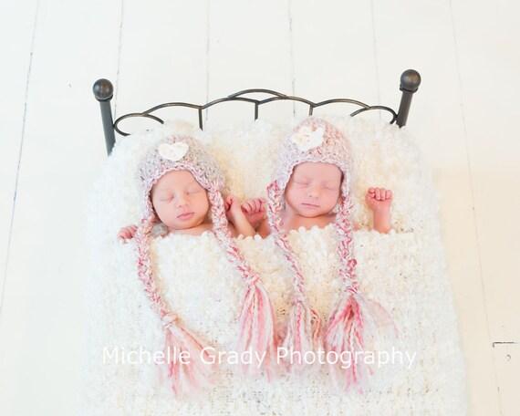 Newborn twin photo prop crochet twin hats pink and cream newborn hats newborn photography props newborn twin set baby twin hats pink hat set