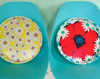 TIN SERVING TRAYS Mid Century 2 trays Picnic Party vintage 1960s 1970s