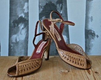 Vintage Shoes 1970's Bandolino Tan Leather Woven Sexy Peep Toe Heels size 5.5/36