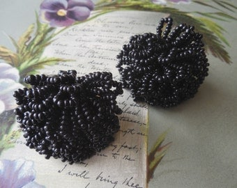 Vintage Black Seed Bead 'Cha-Cha' Clip On Earrings    KM2