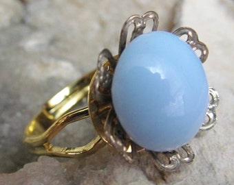 Gorgeous One of a Kind Vintage Baby Blue Button Ring R 37