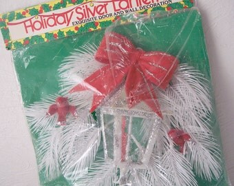 vintage holiday lantern - christmas decoration - 1970s door hanger - red and white doves and bow