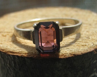 Simple Vintage Sterling Silver Ring with Princess Cut Lab Created Amethyst Stone Ladies Size 8