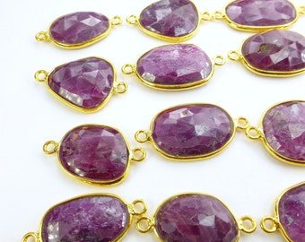 RUBY. CONNEcTOR LiNKS. Natural. Flat Rose Cut FACeTed. Freeform. MEDiUm SiZe. Vermeil. 5 pc. 40.0 cts. 15-19 mm (C-Ru2-gold)
