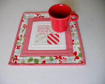 Quilted Mug Rug Mug Mat, Quilted Snack Mat, Mini Quilt, Quilted Table Mat, Quilted Candle Mat, Quilted Coaster,  Quilted Mug Rug in Red