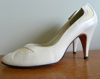 60s Cream Leather Heels - Snakeskin Detail - D'Antonio Shoes Pumps - Vintage 1960s - 8 N