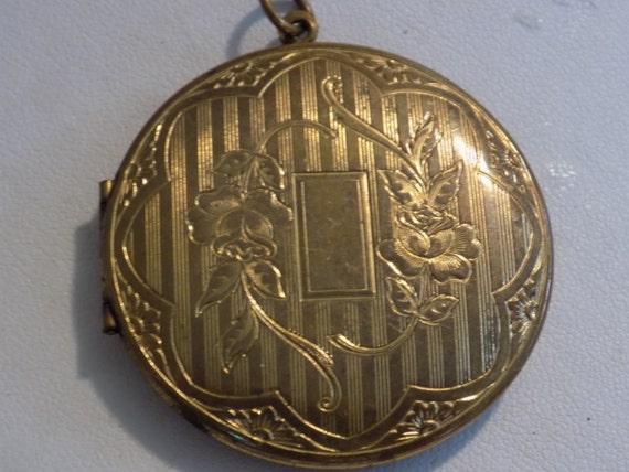 Vintage locket, vintage pendant, gold filled locket, engraved locket, floral motif locket, large antique picture locket