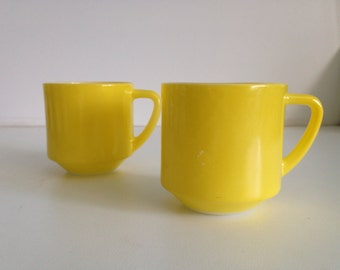 2 Yellow Stackable Federal King Mugs