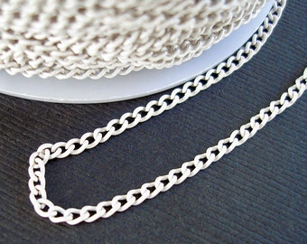 White Electroplated  Twist  Curbe Chain Colored Chain-15 ft.