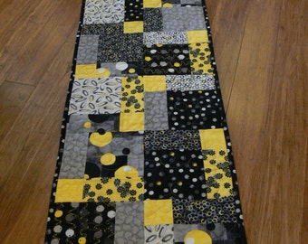 Sunshine and Happiness Table Runner