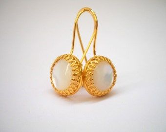 White Shell Earrings, Mother of Pearl Earrings, White Earrings, White Dangle Earrings