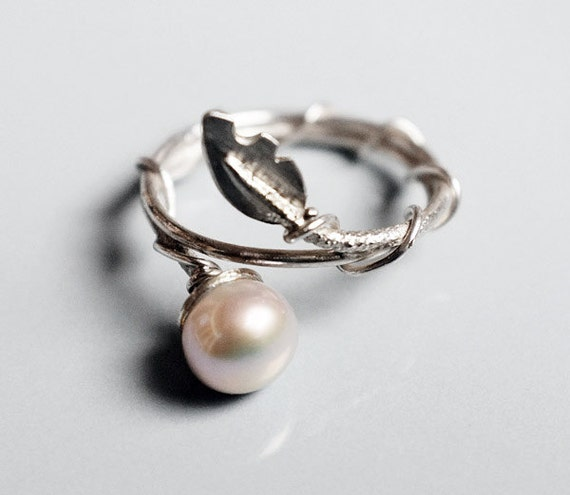 Pearl & Leaf 925 Sterling Silver stacking ring