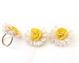 Vintage Flower Ring Earrings Set // Yellow & White Flower Vintage Ring Vintage Clipon Earrings Kitschy