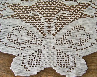 Vintage Filet Crochet Dresser Scarf Butterfly Doily Home Decor End Table vintage 1950s